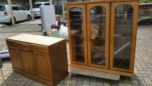 食器棚、座卓、布団、棚1